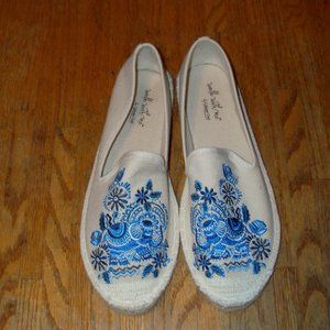 NEW Women's Size 8.5 Embroidered Espradille Floral